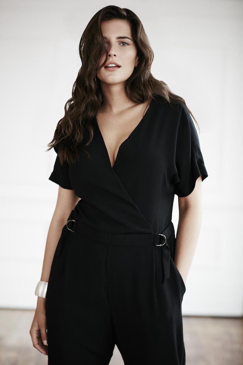 Coverstoty Elvi Plus size jumpsuit black