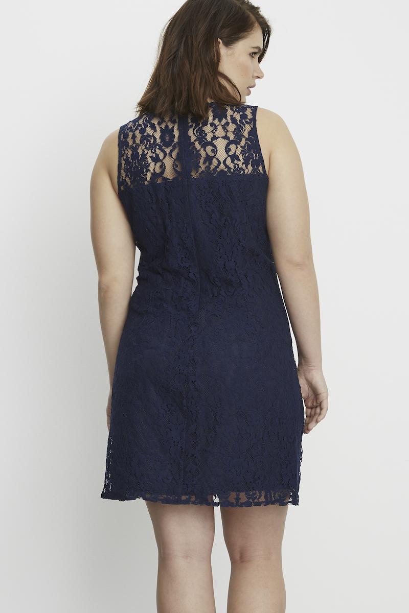 BB Dakota Zani Lace shift dress plus size