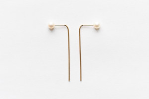 4mm-pearl-bar-earrings